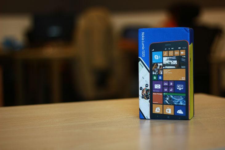 Nokia-Lumia-1320-10