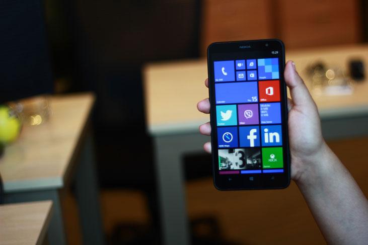 Nokia-Lumia-1320-5