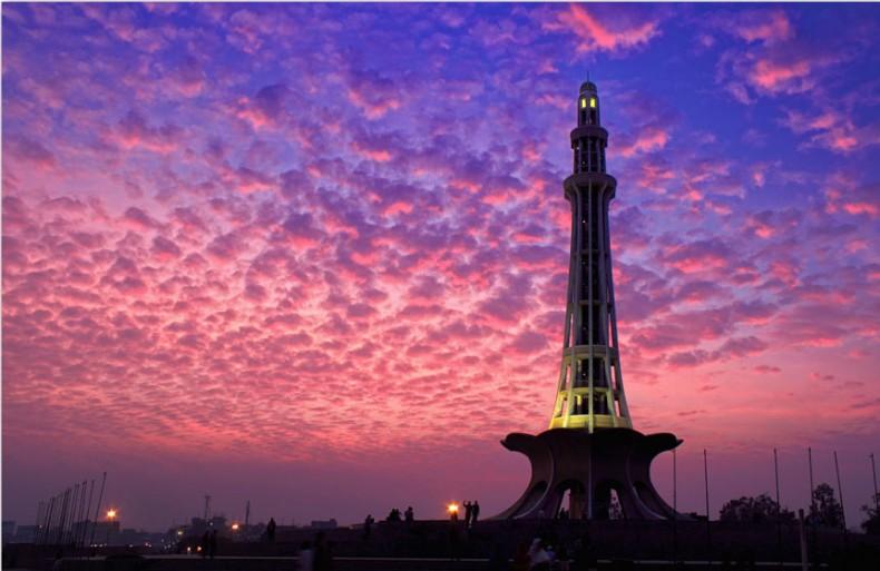 minar-e-pakistan-evening