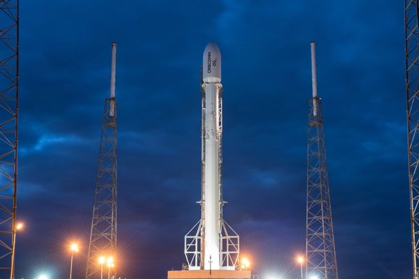 SpaceX Outpaces Competition with Successful Launch of Intelsat 35e