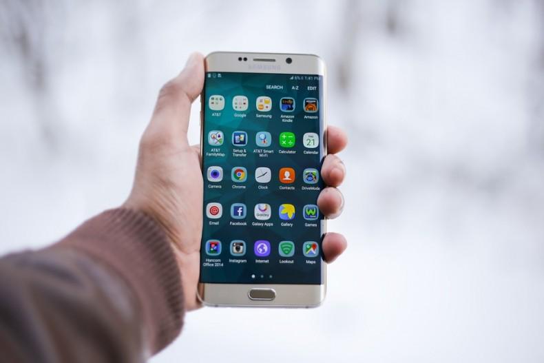 smartphone-1283938_960_720 (1)