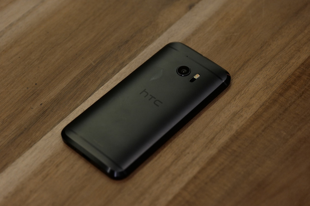 HTC Cover