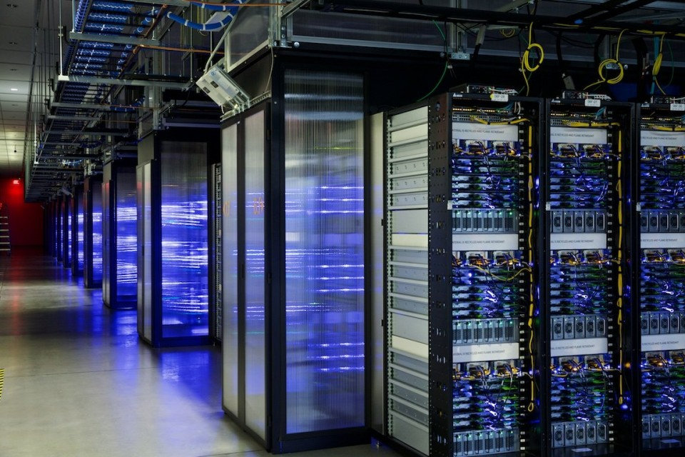 Images take a look inside facebook 39 s data center for Hotel network design