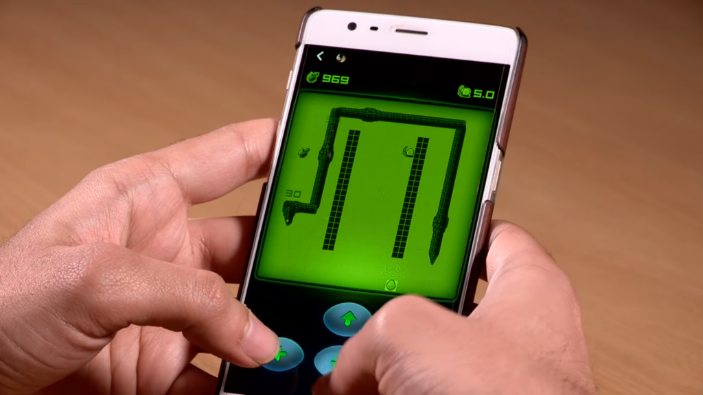 You can now play Nokia's iconic Snake game on Messenger