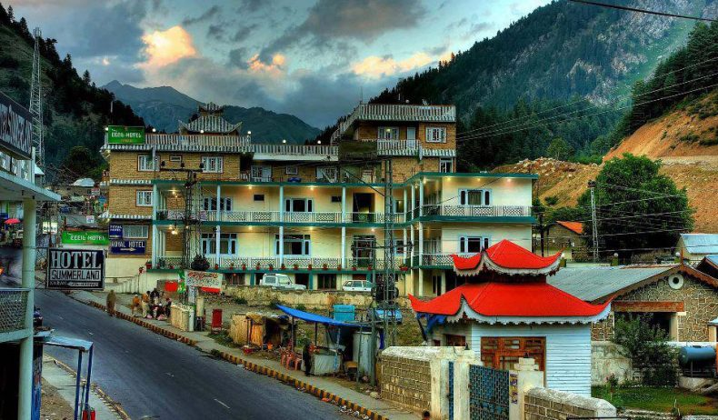 Naran-Valley-Bazar