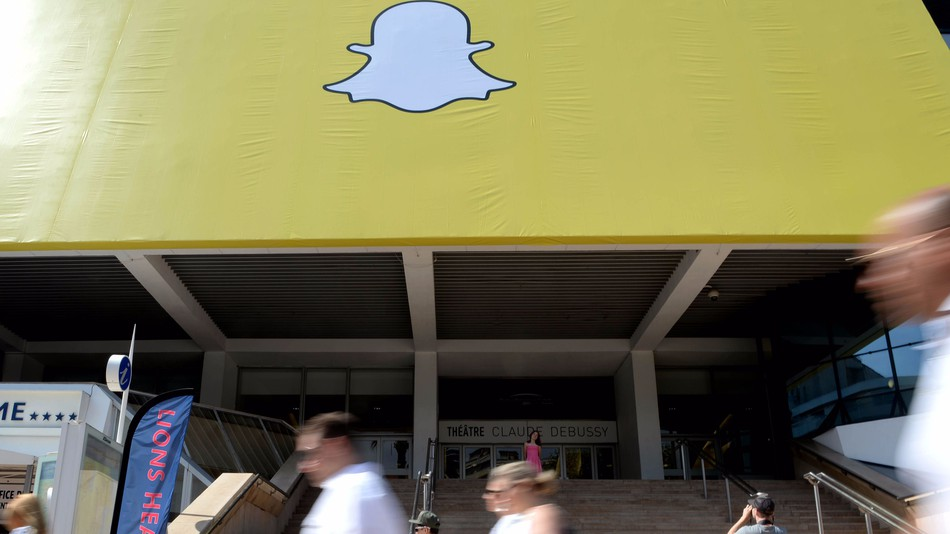Snap shares plummet 22% after first earnings report since IPO