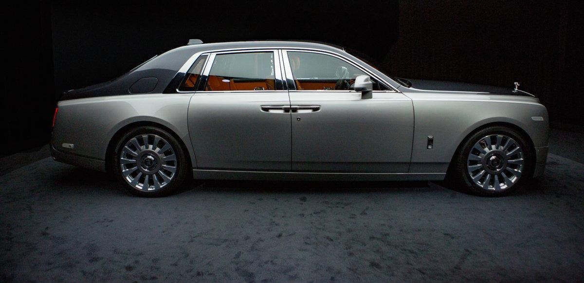 Rolls-Royce Phantom Silver Side