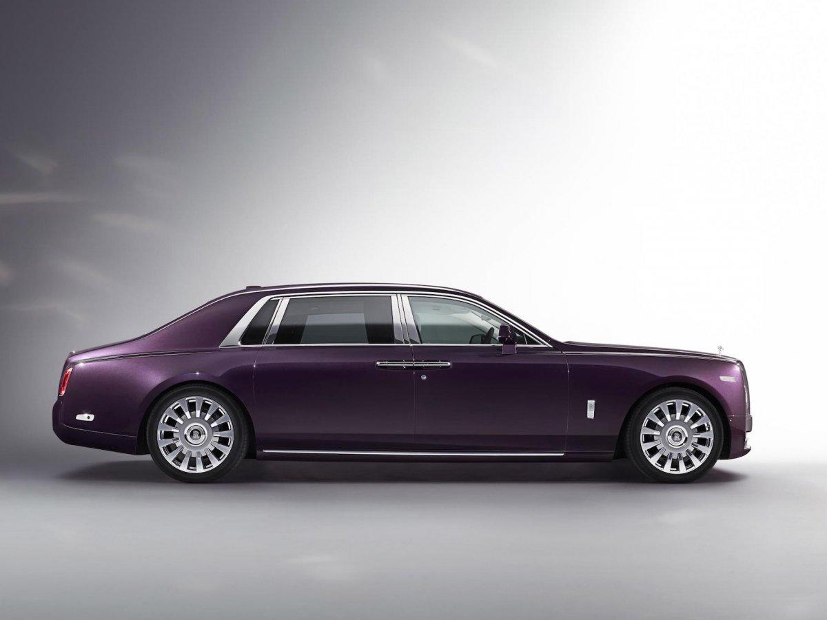 Rolls-Royce Phantom Purple Side