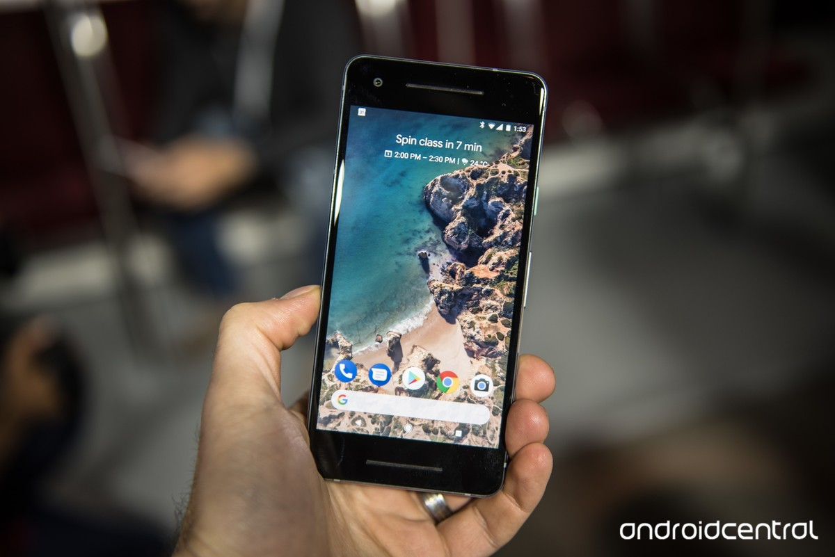 With the launch of Google Pixel last year, Google introduced a Google Wallpapers app which automatically sets a new wallpaper daily on your phone.
