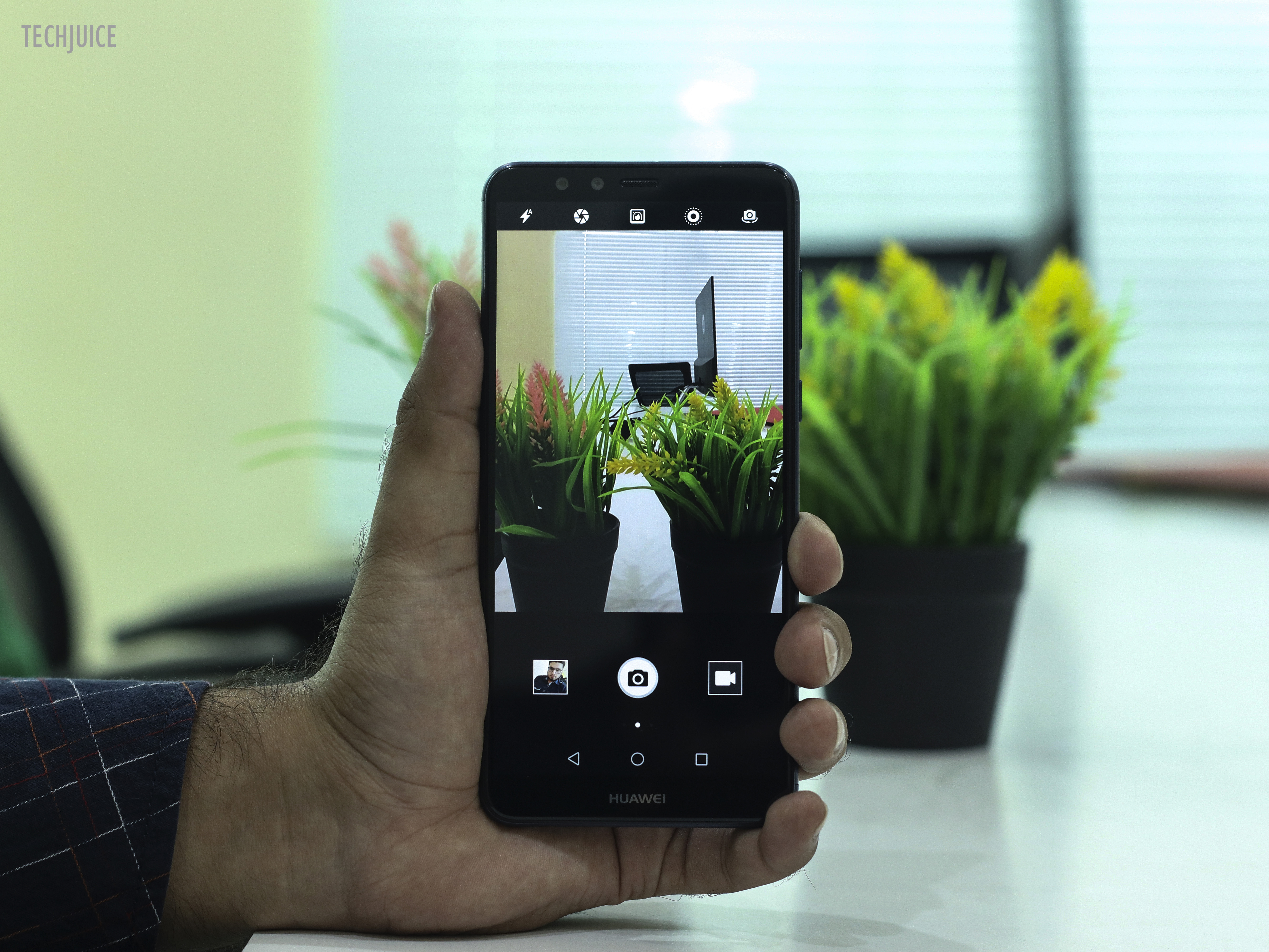 Huawei Y9 (2018) Review: 4 cameras, bezel-less display and a big