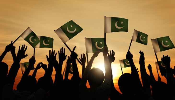 pakistan-flags