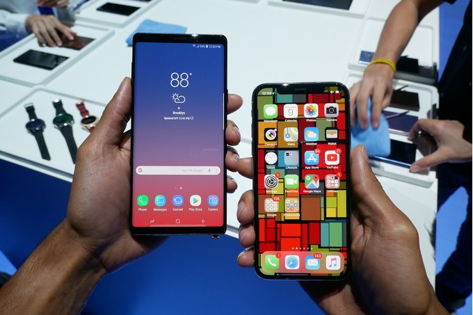 Galaxy-Note-9-vs.-iPhone-X-Battle-of-the-1000-flagships