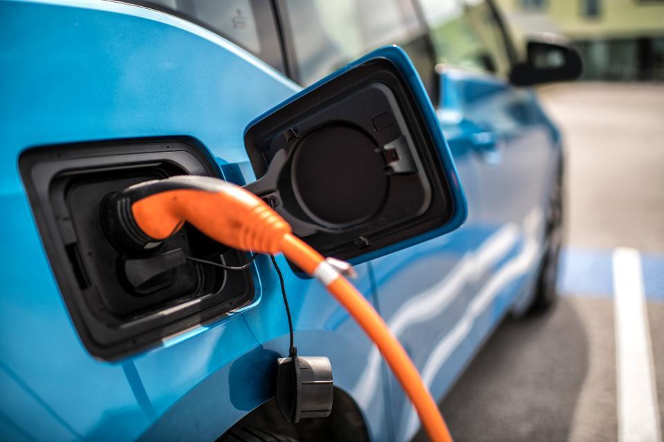 Electric-Cars_TechJuice