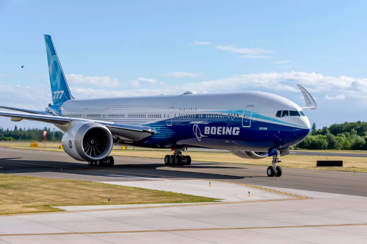 Boeing-777X-Twin-Engines-Jet-TechJuice