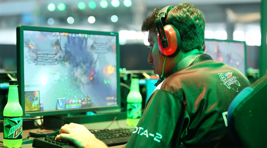 E-sports to gain official sport status in Pakistan: Fawad Ch